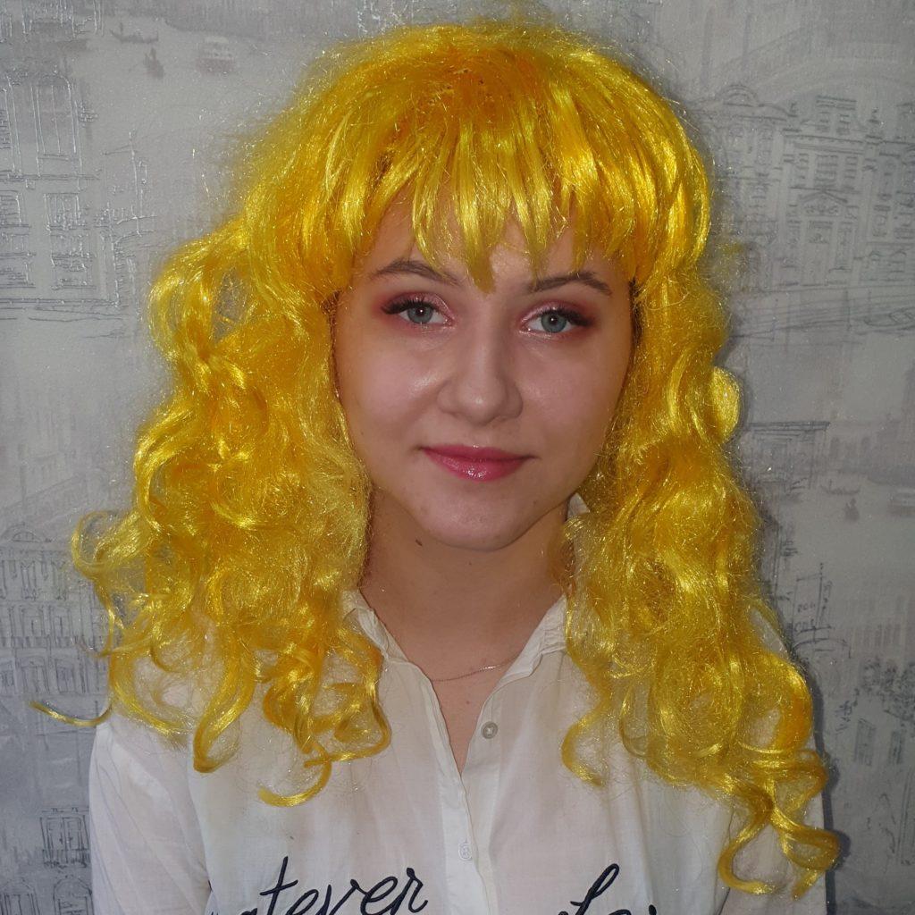 Парик желтый, длинные волосы