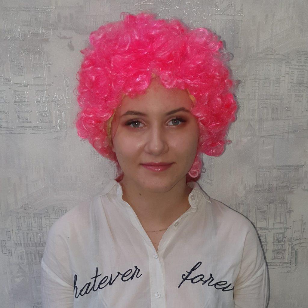 Парик розовый, короткие волосы