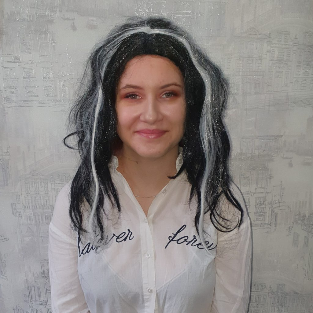 Парик черно-белый, волосы до плеча
