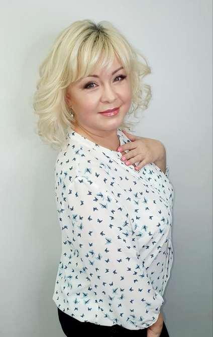 Ведущая на свадьбу в Минске Елена Матющенко